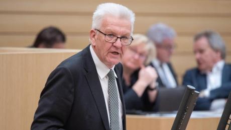 Wirkt in der Krise ungewohnt zaudernd: Ministerpräsident Winfried Kretschmann.
