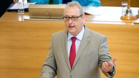 Jürgen Martens (60) Der Rechtsexperte der FDP-Fraktion war bis 2014 sächsischer Justizminister.
