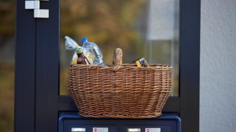 Einkaufen gehört bei den meisten Nachbarschaftshilfen im Wittelsbacher Land zum Angebot.