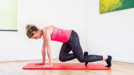Fitness-Tipp Nummer 6: Der Käfer: Ziel der Übung ist die Ganzkörperkräftigung mit Schwerpunkt Bauch.