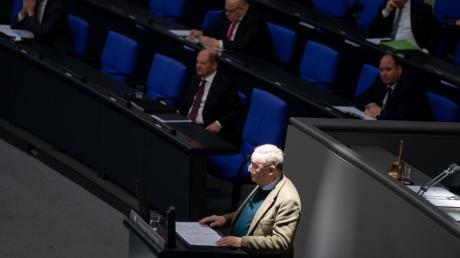 Alexander Gauland, Fraktionsvorsitzender der AfD, hat die Regierung im Bundestag für ihr Vorgehen in der Corona-Krise kritisiert.