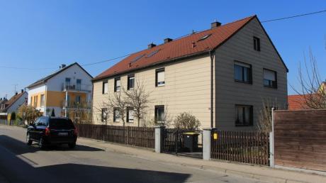 In der Kornstraße 25 in Kissing möchte ein Investor ein großes Mehrfamilienhaus errichten lassen. Die Gemeinde lässt nun für den gesamten Bereich einen Bebauungsplan aufstellen.