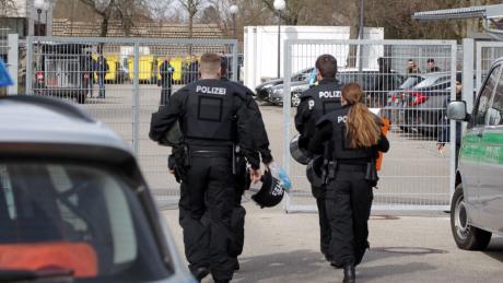 Die Polizei rückte am Donnerstag zur Asylunterkunft an den Kobelweg aus.