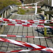 Nachdem der Sieben-Tage-Inzidenzwert drei Tage infolge über 100 lag, werden die Corona-Regeln im Landkreis Aichach-Friedberg wieder verschärft.