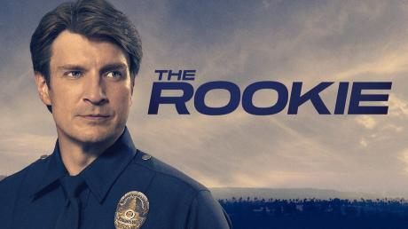 """""""The Rookie"""" geht demnächst mit Staffel 2 bei Sky an den Start. Mehr zu Handlung, Folgen, Besetzung und Trailer finden Sie hier."""