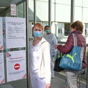 An der Uniklinik Augsburg ist eine Corona-Patientin gestorben.