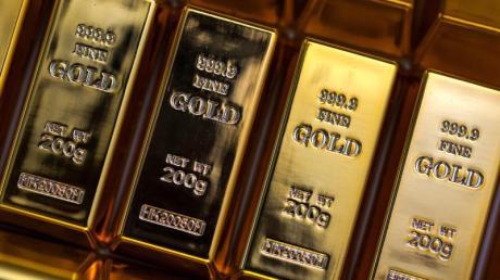 Fühlt sich in der Hand gut an, glänzt und gibt Anlegern in unsicheren Zeiten ein Gefühl von Sicherheit: Gold als Geldanlage.