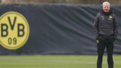 BVB-Coach Lucien Favre trainiert bereits wieder mit seinen Spielern.