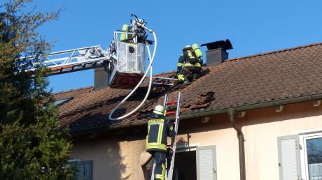 Ein Heckenbrand ist am Mittwoch in Dießen auf ein Reihenhaus übergesprungen.