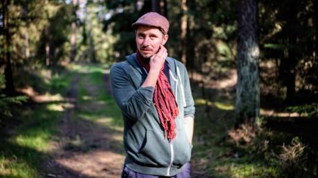Bastian Sünkel ist zurück in Franken - und plötzlich allein im Wald. Kurz nach seiner Rückkehr verkündet Bayerns Ministerpräsident Markus Söder die Ausgangsbeschränkung.