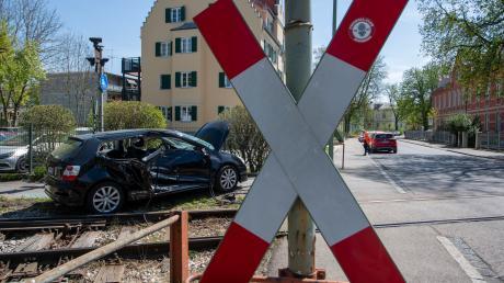 In der Proviantbachstraße stieß ein Auto mit einer Lok der Localbahn zusammen.