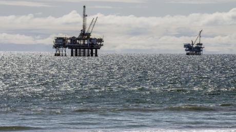 Die USA wissen derzeit kaum, wohin mit ihrem Öl. Lager drohen überzulaufen, die Preise fielen sogar in den Negativbereich.