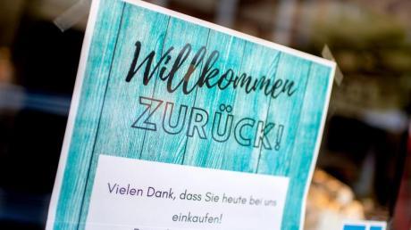 Im Landkreis Günzburg darf wieder geshoppt werden. Die Maskenpflicht gilt aber weiterhin.