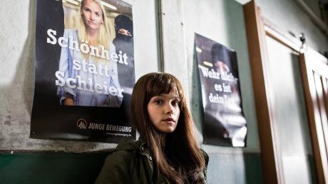 """Marie Jäger (Emilia Schüle) ist """"national feminin"""": Szene aus dem gleichnamigen Göttingen-Tatort, der gestern im Ersten lief."""