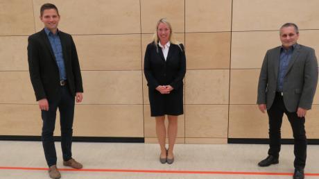 Miriam Gruß, Bürgermeisterin von Gundelfingen, hat zwei neue Vertreter: Roman Schnalzger (SPD, rechts) und Florian Steidle (CSU).
