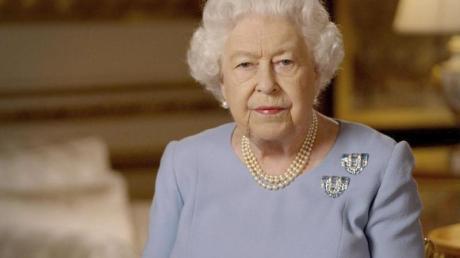Die britische Königin Elizabeth II. (94) hat am Freitagabend mit einer im Fernsehen und per Internet verbreiteten Ansprache an das Ende des Zweiten Weltkriegs erinnert.