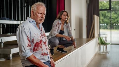 """Haben Klaus Borowski (Axel Milberg) und Mila Sahin (Almila Bagriacik) versagt? Szene aus dem Kieler Tatort """"Borowski und der Fluch der weißen Möwe"""", der heute im Ersten läuft."""