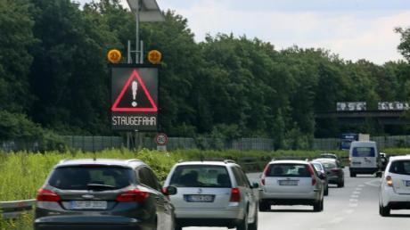 Auf den Autobahnen ist an diesem Wochenende mit Staugefahr zu rechnen.