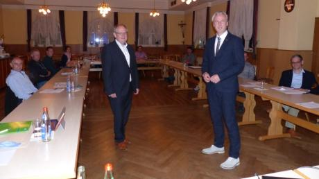 Mit Steffen Richter (rechts) hat Westendorf jetzt einen hauptamtlichen Bürgermeister. Oliver Schneider  wurde zum Zweiten Bürgermeister gewählt.
