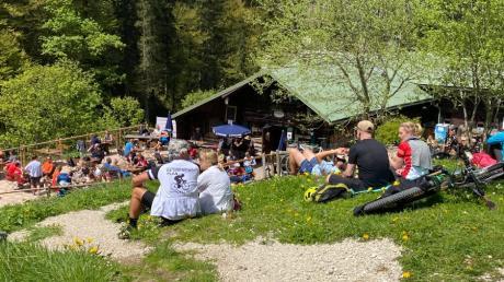 Besonders viel los war am Vatertag an der Kenzenhütte bei Halblech im Ostallgäu.