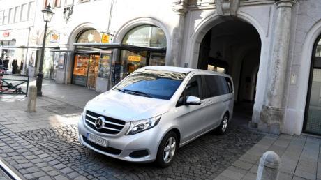 Derzeit kann die Augsburger Stadtspitze unter anderen einen Mercedes-Van nutzen. Im Sommer laufen allerdings die Leasing-Verträge aus.