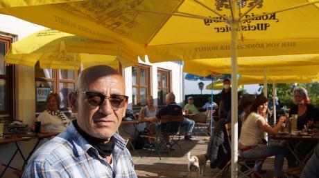 Osman Kocak konnte sich am Eröffnungstag über einen sehr gut besuchten Biergarten freuen.