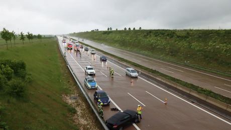 Am Samstagmittag hat sich auf der A8 zwischen Burgau und Günzburg ein Verkehrsunfall mit hohem Sachschaden ereignet.