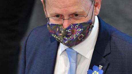 Thüringens Ministerpräsident Bodo Ramelow (Linke) verteidigt seinen Kurs.