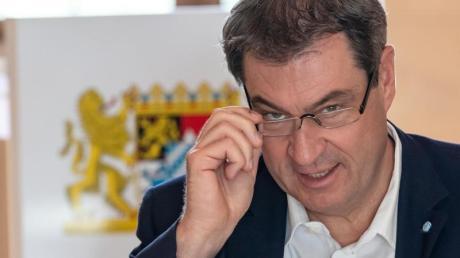 Markus Söder zu Beginn der Kabinettssitzung an seinem Platz in der Bayerischen Staatskanzlei.
