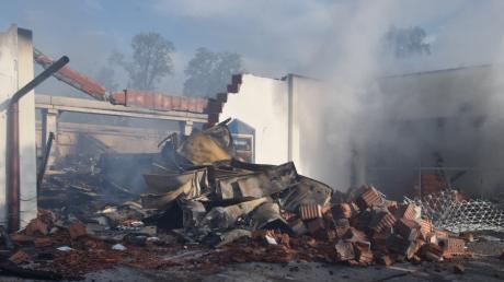 Der  Edeka in Höchstädt ist bis auf die Grundmauern niedergebrannt.