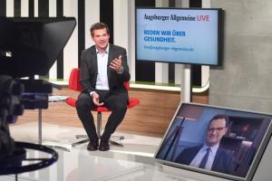 Corona-bedingt im Studio statt vor Publikum im Saal: Augsburger Allgemeine Live mit Jens Spahn und Gregor Peter Schmitz.