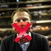 Masken als Mode-Accessoire? Geht gar nicht, findet unsere Autorin.
