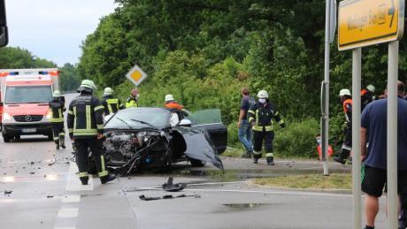 Ein schwerer Unfall hat sich auf der B 466 bei Löpsingen ereignet.