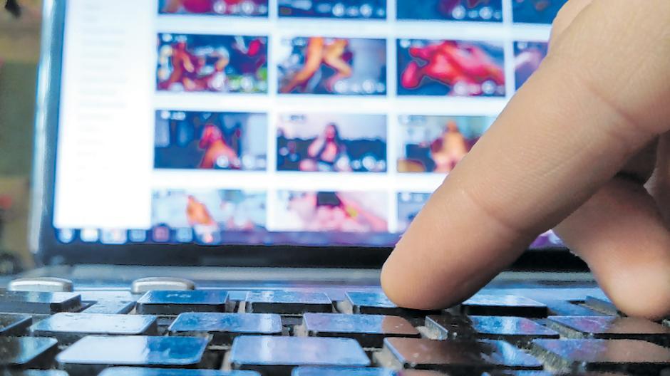 Hier erzählt Deutschlands größter Pornoproduzent, weshalb er nicht möchte, dass Jugendliche und Kinder seine Filme sehen.