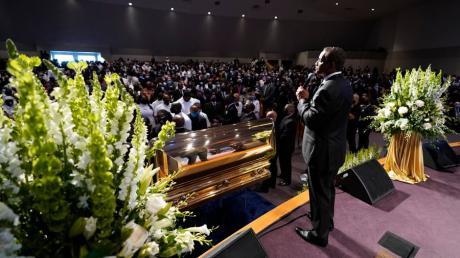 Die Trauerfeier für George Floyd fand in der The Fountain of Praise Church in Houston, Texas, statt.