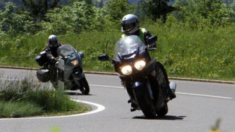 Im Allgäu gibt es viele beliebte Motorradstrecken. Doch mit den Motorradfahrern kommt auch der Lärm.