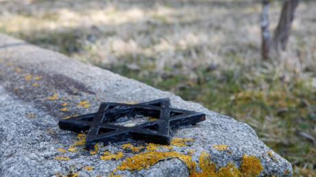 In Schwaben gab es zur Zeit des NS-Regimes zahlreiche Außenlager des Konzentrationslagers Dachau. Tausende Menschen