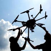 Ein Pilot hat am Neuburger Fliegerhorst - innerhalb der militärischen Sperrzone - eine Drohne fliegen sehen. Jetzt sucht die Polizei nach Hinweisen.