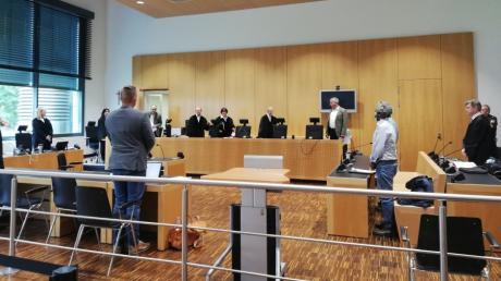 Am Landgericht Augsburg läuft der Prozess um einen mutmaßlichen Mord in Affing. Ein Mann soll in der Asylbewerberunterkunft seinen Mitbewohner erschlagen haben.