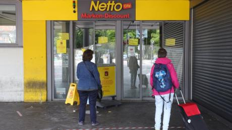 In dieser Netto-Filiale am Königsplatz spielte sich der Vorfall ab. Der Discounter hatte am Samstag geschlossen.