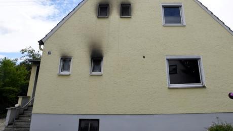 Eine Frau ist bei einem Wohnhausbrand in Meitingen gestorben.