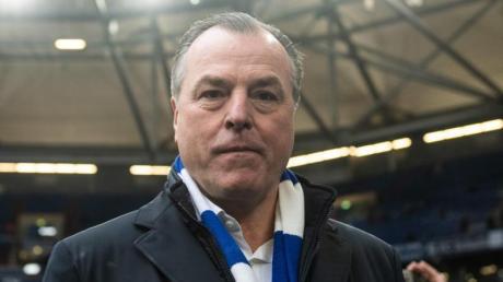 Clemens Tönnies tritt als Aufsichtsratsvorsitzender beim FC Schalke 04 zurück.