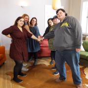 """Chiara, Lisa, Alexandra, Aaliyah, Daniel und Mark (von links) möchten bei """"Verdammt schwer!"""" endlich abnehmen. Alles rund um Teilnehmer, Sendetermine und Übertragung lesen Sie hier."""
