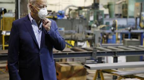 Biden stellte in einer Stahlfirma einen Wirtschaftsplan vor, der helfen soll, die Mittelklasse zu stärken und das Land aus der Corona-Krise zu führen.
