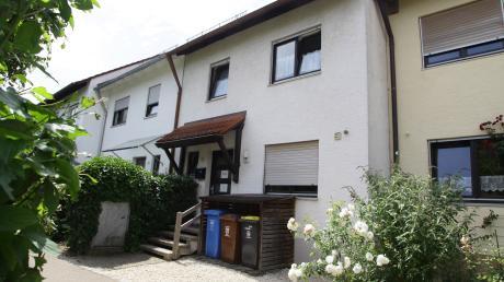 Anwohner dieses Reihenmittelhauses in der Ecknacher Fichtenstraße möchten nicht, dass die Lebenshilfe hier etwaige Covid-19-Patienten unterbringt.