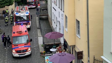 Angebranntes Essen hat am Samstag zu einem größeren Feuerwehreinsatz in der Augsburger Altstadt geführt.