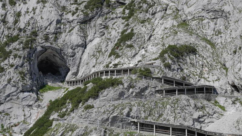 Jugendlicher (14) stirbt nach Steinschlag an Eishöhle bei Salzburg