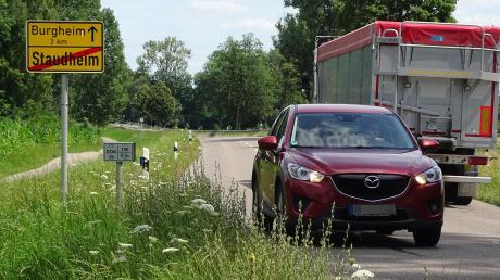 Eine komplette Umleitung des Verkehrs über Staudheim und Burgheim während der gesamten Bauphase auf der B16 wollen beide Bürgermeister aus Rain und Burgheim verhindern. Deshalb wird jetzt eine alternative Lösung untersucht.