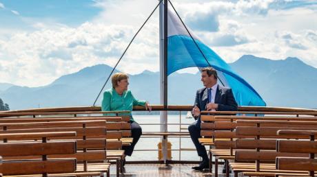 Mit dem Dampfer geht es für Kanzlerin Merkel und Ministerpräsident Söder auf die Insel.