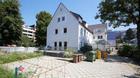 Die Stadt Augsburg hat das ehemalige Pflegeheim Haus Marie in der Jakobervorstadt für ein Jahr angemietet. Bislang wurde es aber noch nicht genutzt.